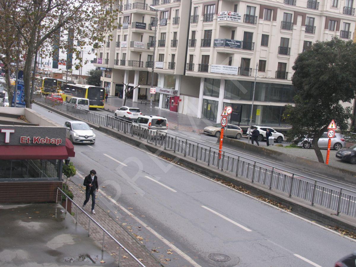 Bakırköy İncirli Caddesi'nde Kurumsal Firmalara Kiralık 300m2 Dükkan