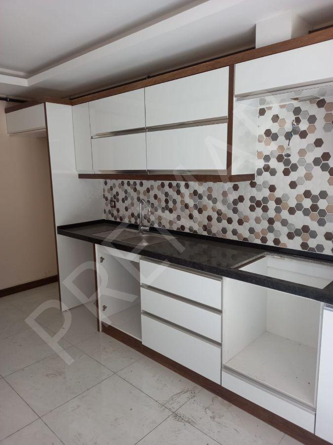 İzmir Caddesi Üzerinde 3+1 Ev