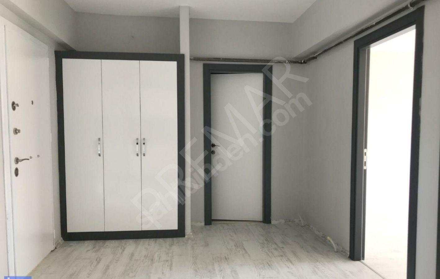 Adliye Karşısı Yenitepe De, Ana Yola Cepheli 2+1 Sıfır Ofis