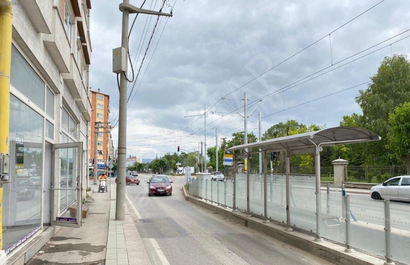 Eskişehir Tepebaşı Gazi Yakup Satar Caddesinde Kiralık İşyeri