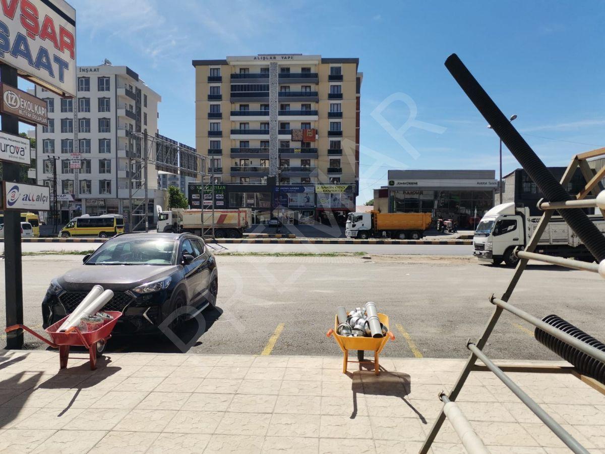 Van İpekyolu Caddesi Üzerinde Satılık 128 M² İş Yeri