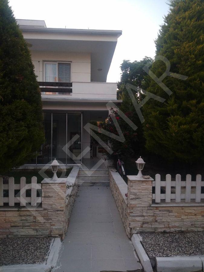 Kuş Adasında 2+1 Satılık Villa