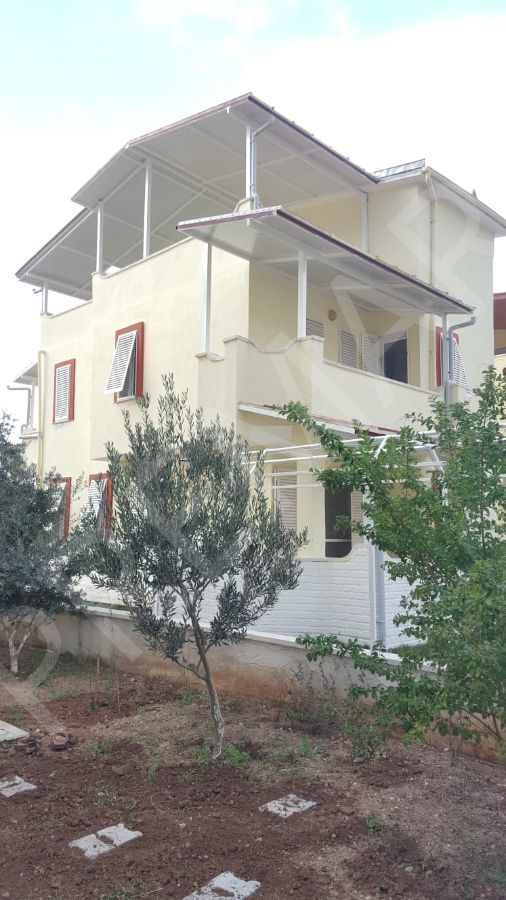 Didim Akbükte Havuzlu Site İçerisinde 4+1 Müstakil Villa