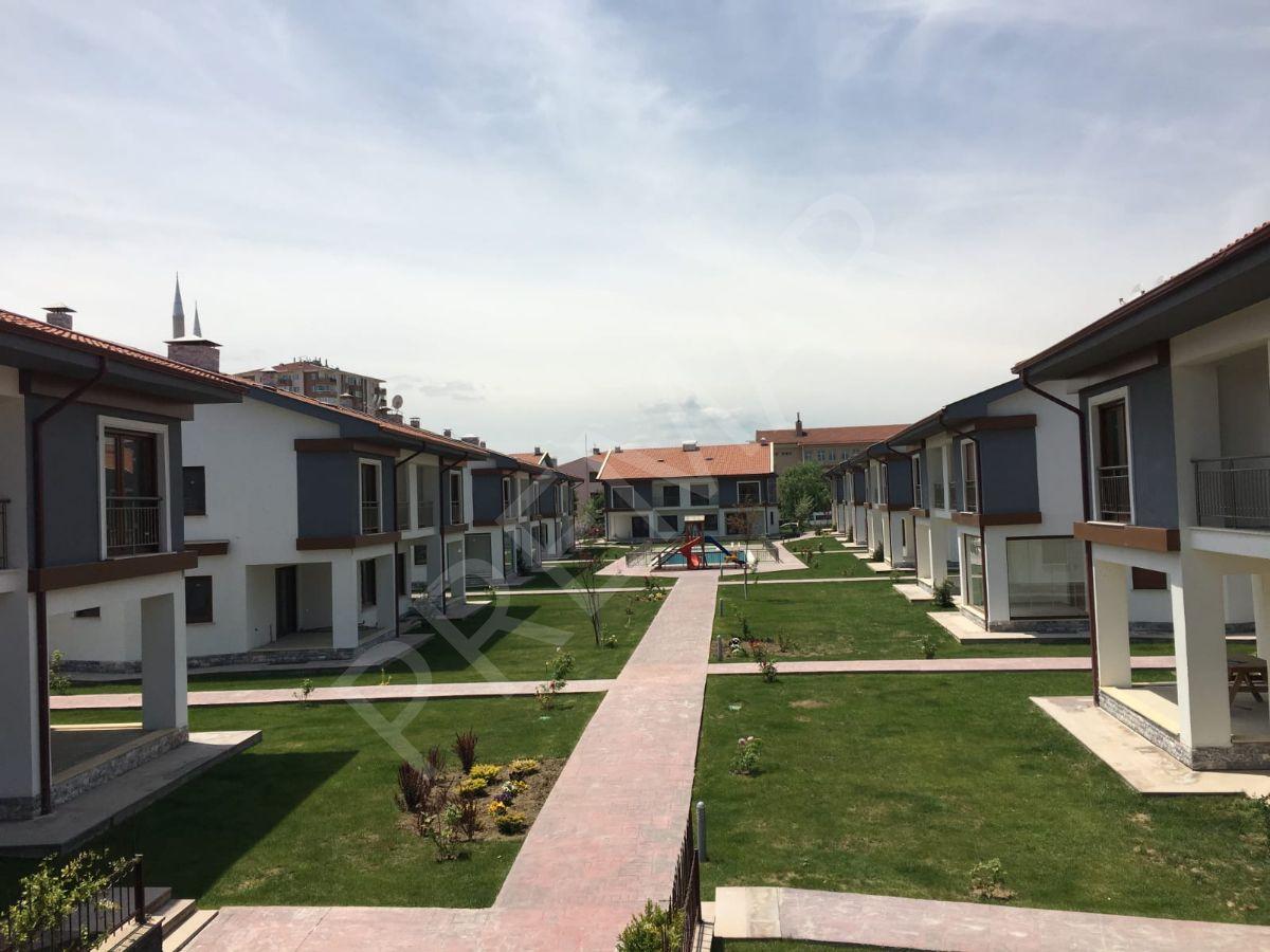 Eskişehir Tepebaşı Batıkent Mahallesinde Satılık Lüks Villalar