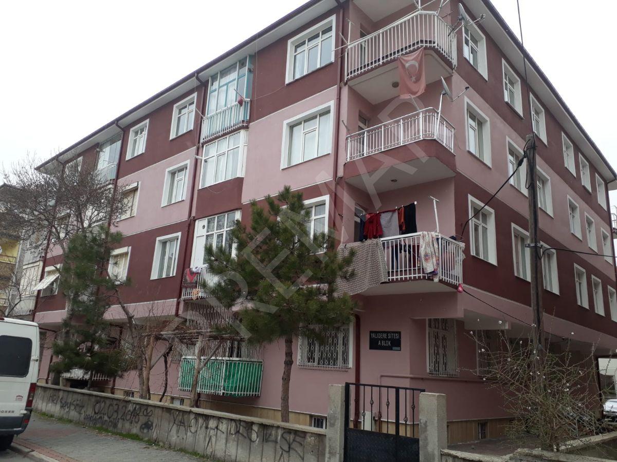 Sakarya Mahallesi Yalıdere Sitesinde, Bakımlı, Arakat Daire