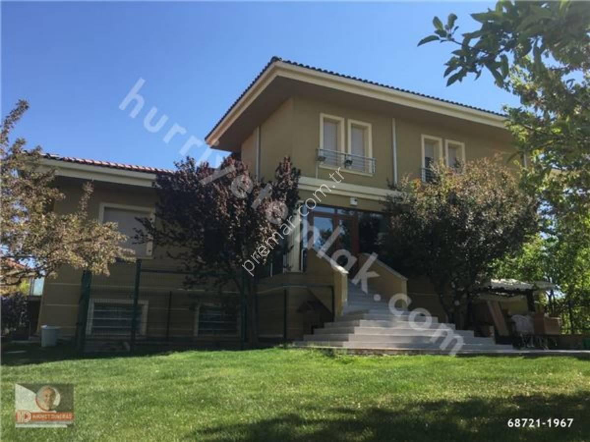Batıkent Mahallesinde Satılık Villa