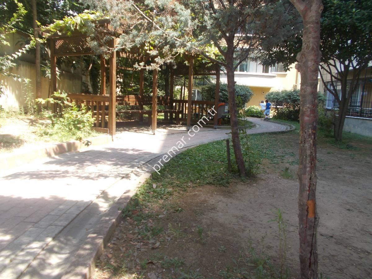 Yenibosna Ayazmapark Evlerinde 5+1 Satılık Dublex Daire