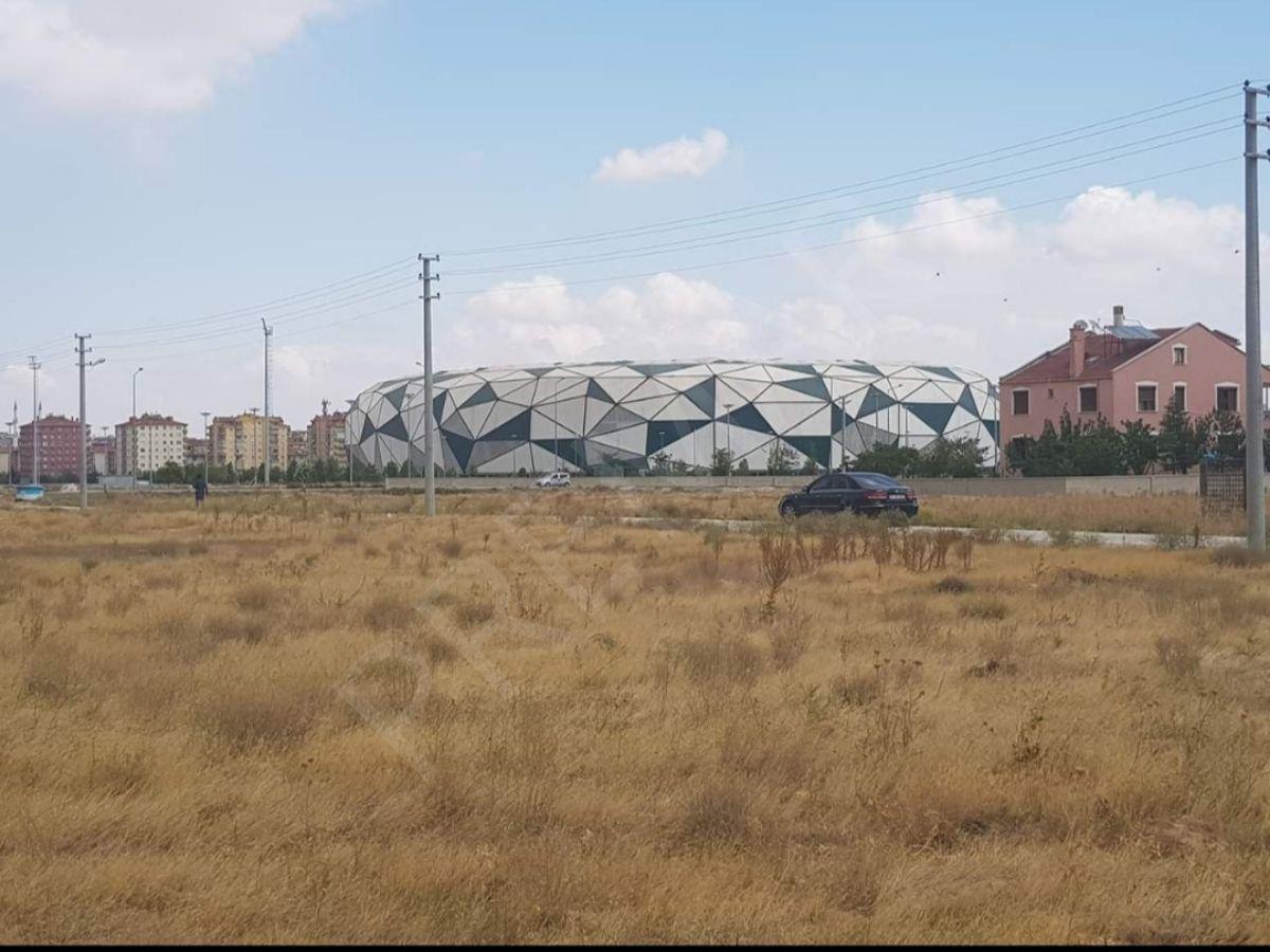 Stadyuma Yürüme Mesafesinde 2.5 Kata İmarlı Kelepir Villa Arsası