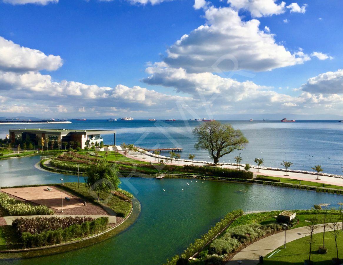Ataköy Sea Pearl'de 1+1 Satılık Yalı Dairesi