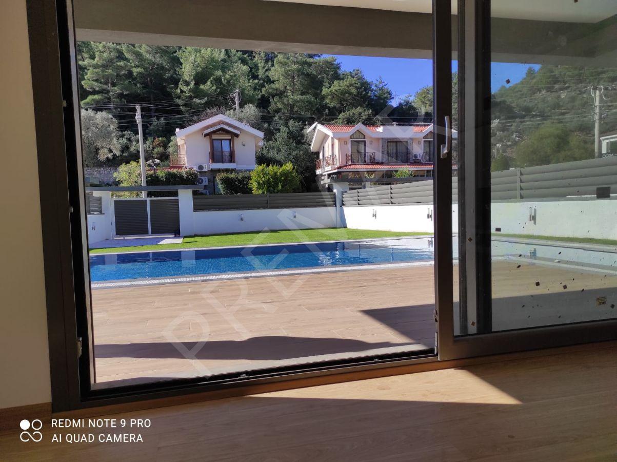 Tam Müstakil Lüx Havuzlu Sıfır Akıllı Villa