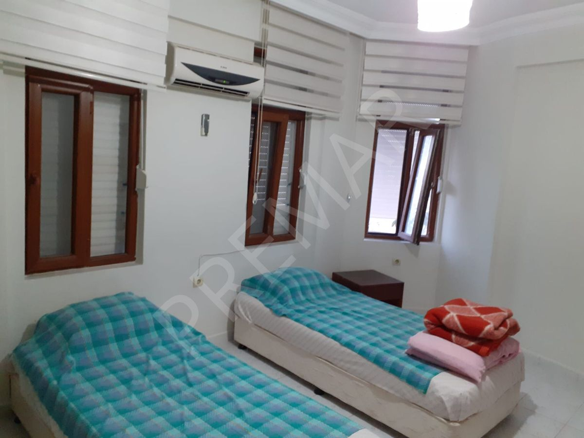 Okurcalarda Deniz Manzaralı Ful Eşyalı 4+1 Satılık Villa