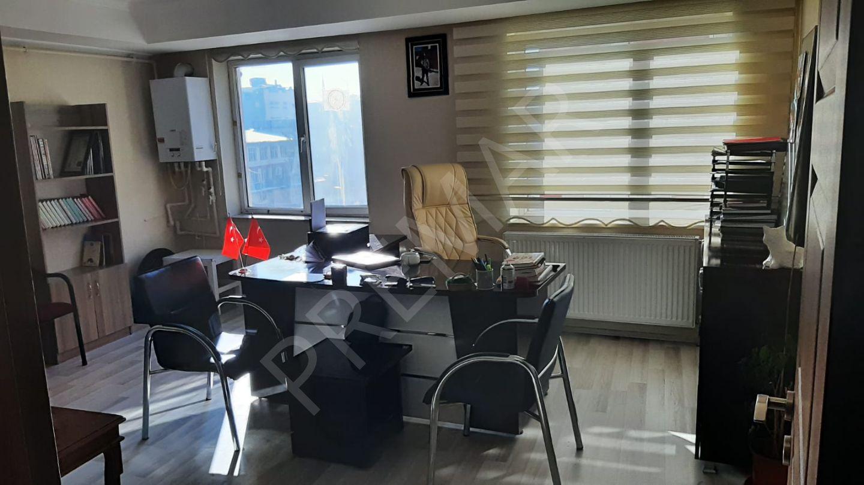 Van Merkezde Acil Satılık 1+1 Ofis