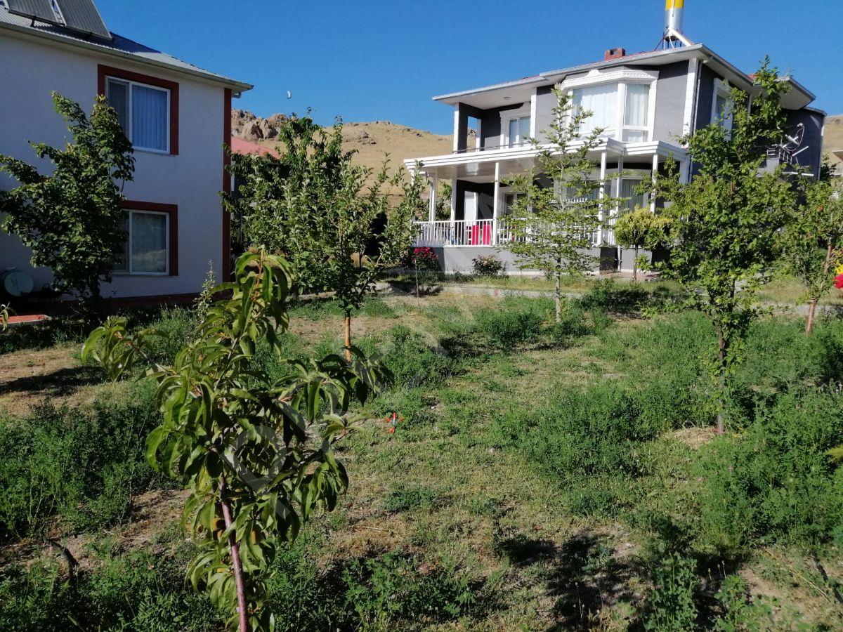 Van Amik'te Satılık Lüx Villa