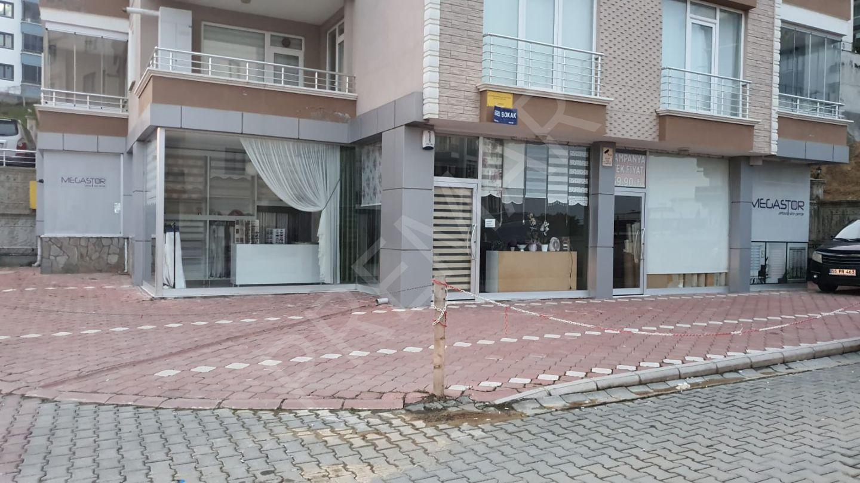 Bahadır Kaan Kesim'den Yatırımlık Kiracılı 185m2 Satılık Dükkan