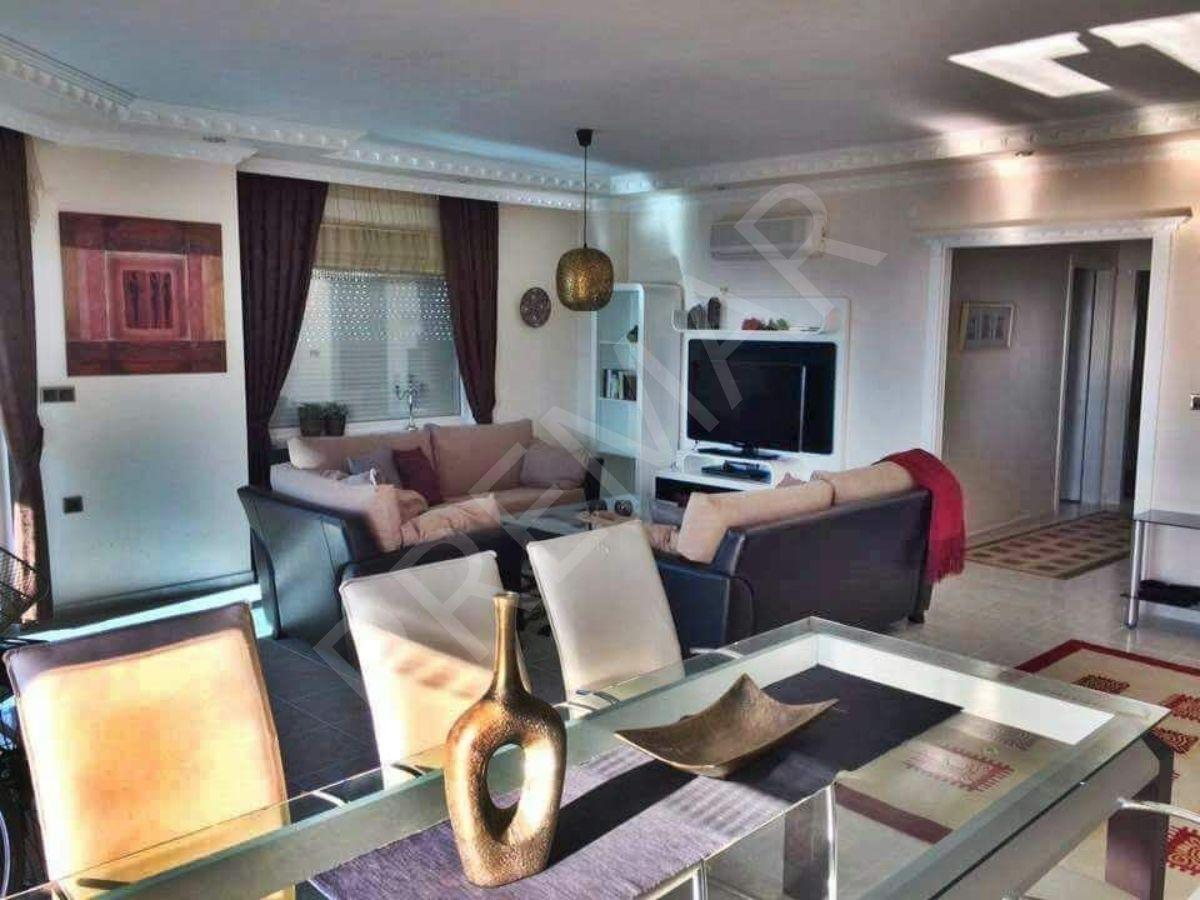 Mahmutlarda Granada Residence Da Deniz Manzaralı Eşyalı Satılık 2+1