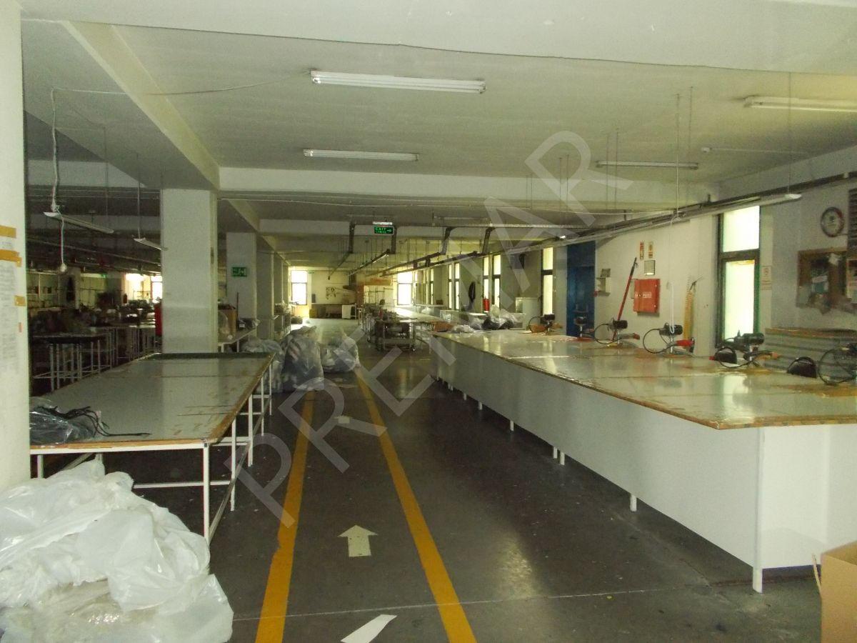 Yenibosna Da 1850 M2 Kat Kiralık İş Yeri