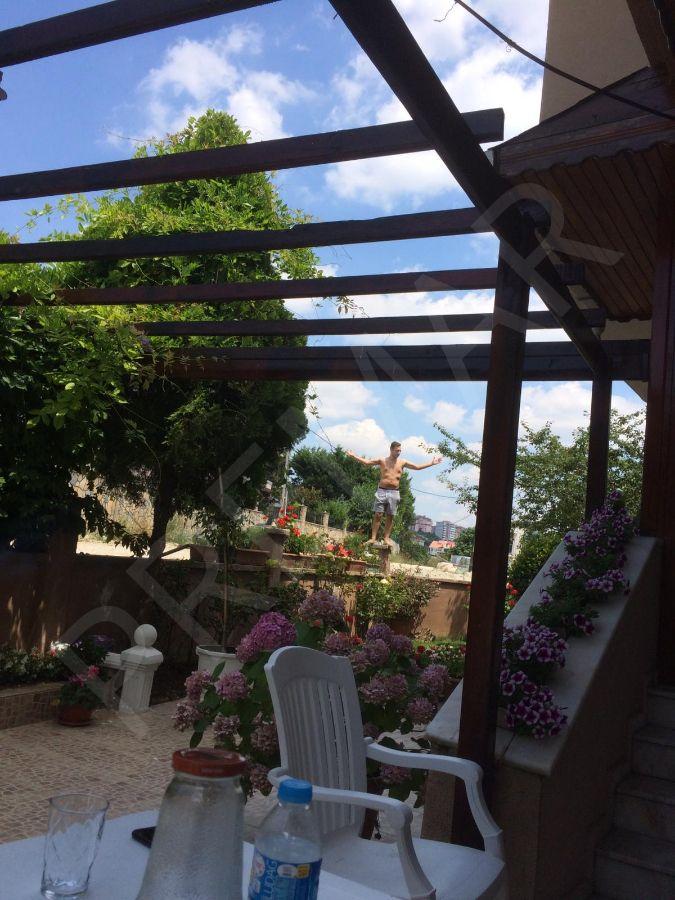 İstanbulbüyükçekmece Güzelce'de Satılık Bahçeli Villa