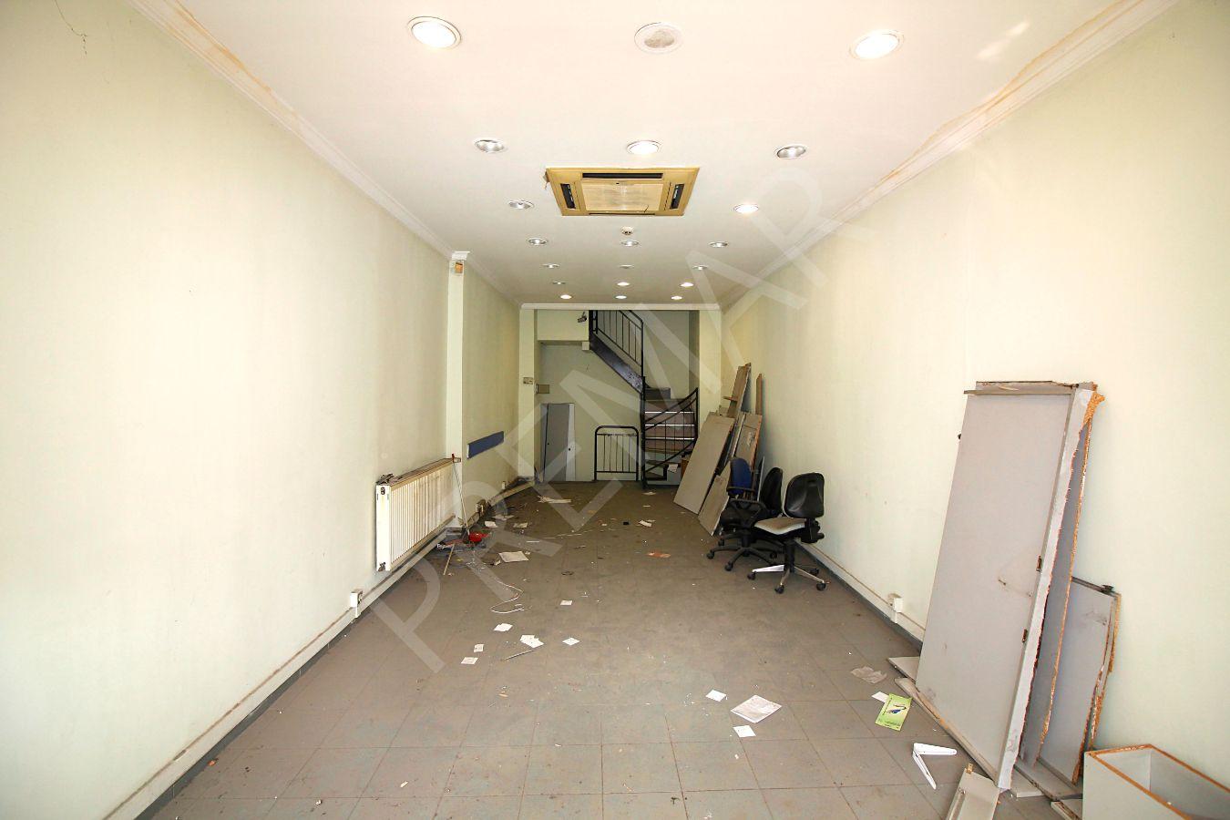 Beyoğlunda Cadde Üstünde Komple Satılık 240 M2 Bina