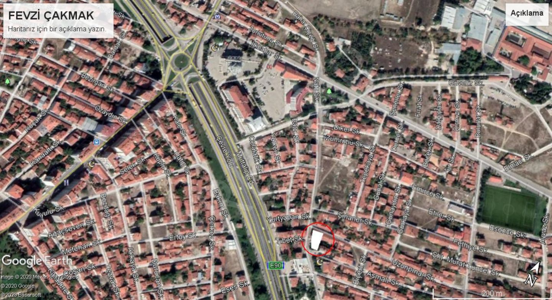 Tepebaşı Fevzi Çakmak Mahallesinde Satılık Müstakil Evler Ve Arsa