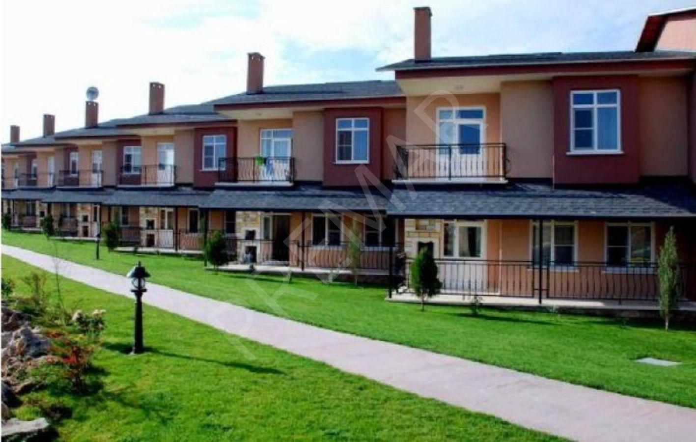 Gazlıgöl'de Satılık Devremülk Villa