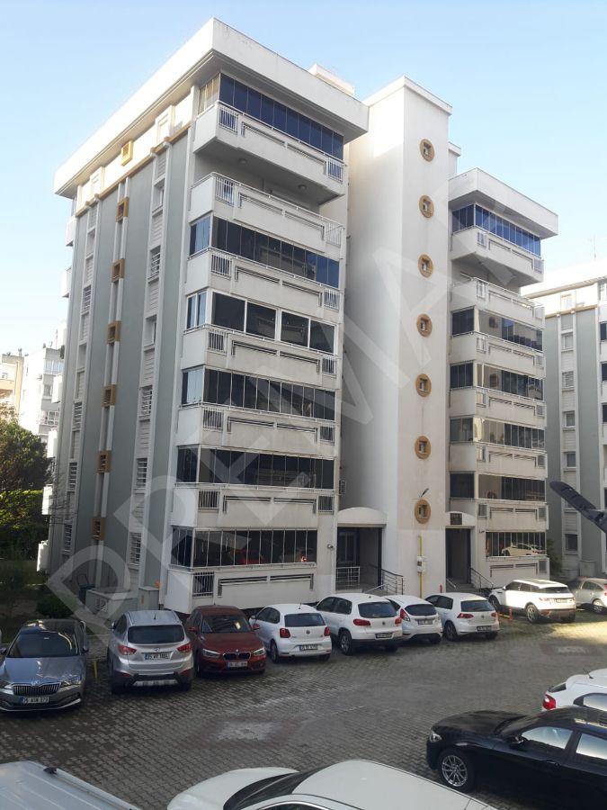 Bornova Başarı Sitesinde Satılık