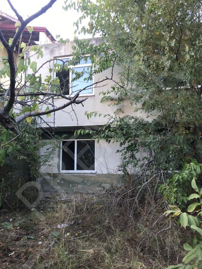Satılık 2 katlı bina ve bodrum