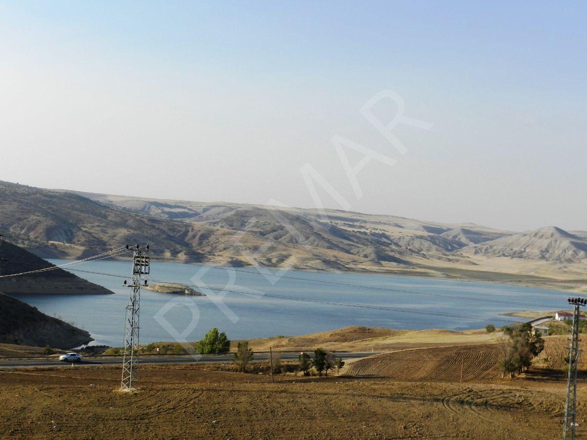 Premardan Obruk'da Baraj Manzaralı Yola Sıfır 8+2 Villa 1854 M2