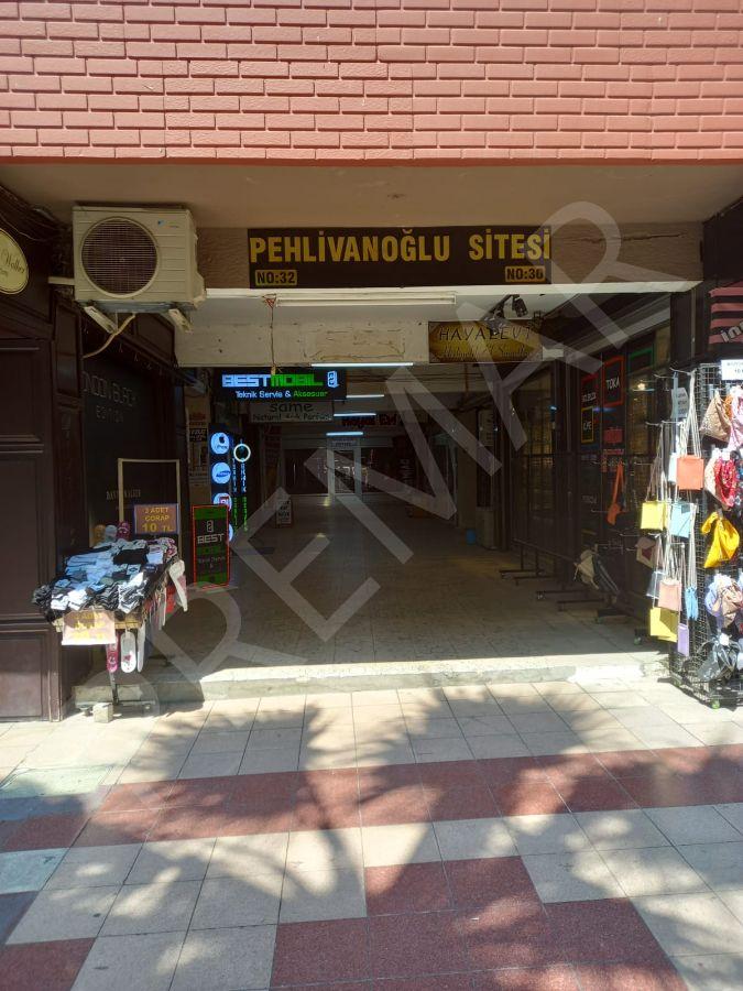 Adnan Menderes Bulvarında 28 Mt2 Dükkan