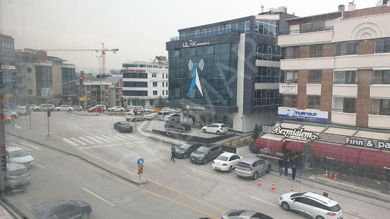 Mustafa Kemal Mahallesi'nin Ortasında Sıfır Ofis