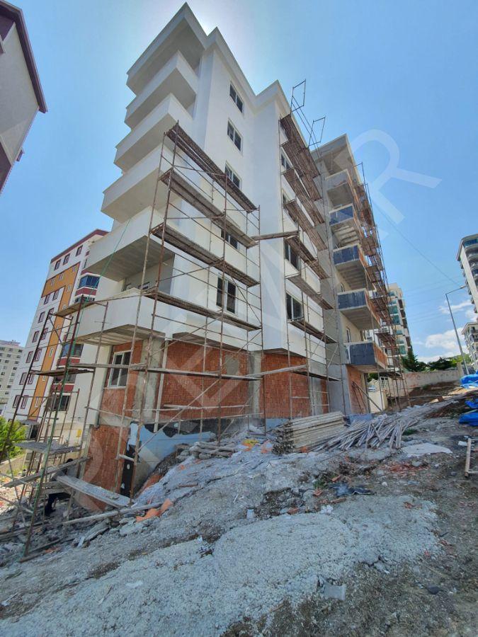 İzmir Caddesinde Deniz Manzaralı 2+1 Satılık Daireler