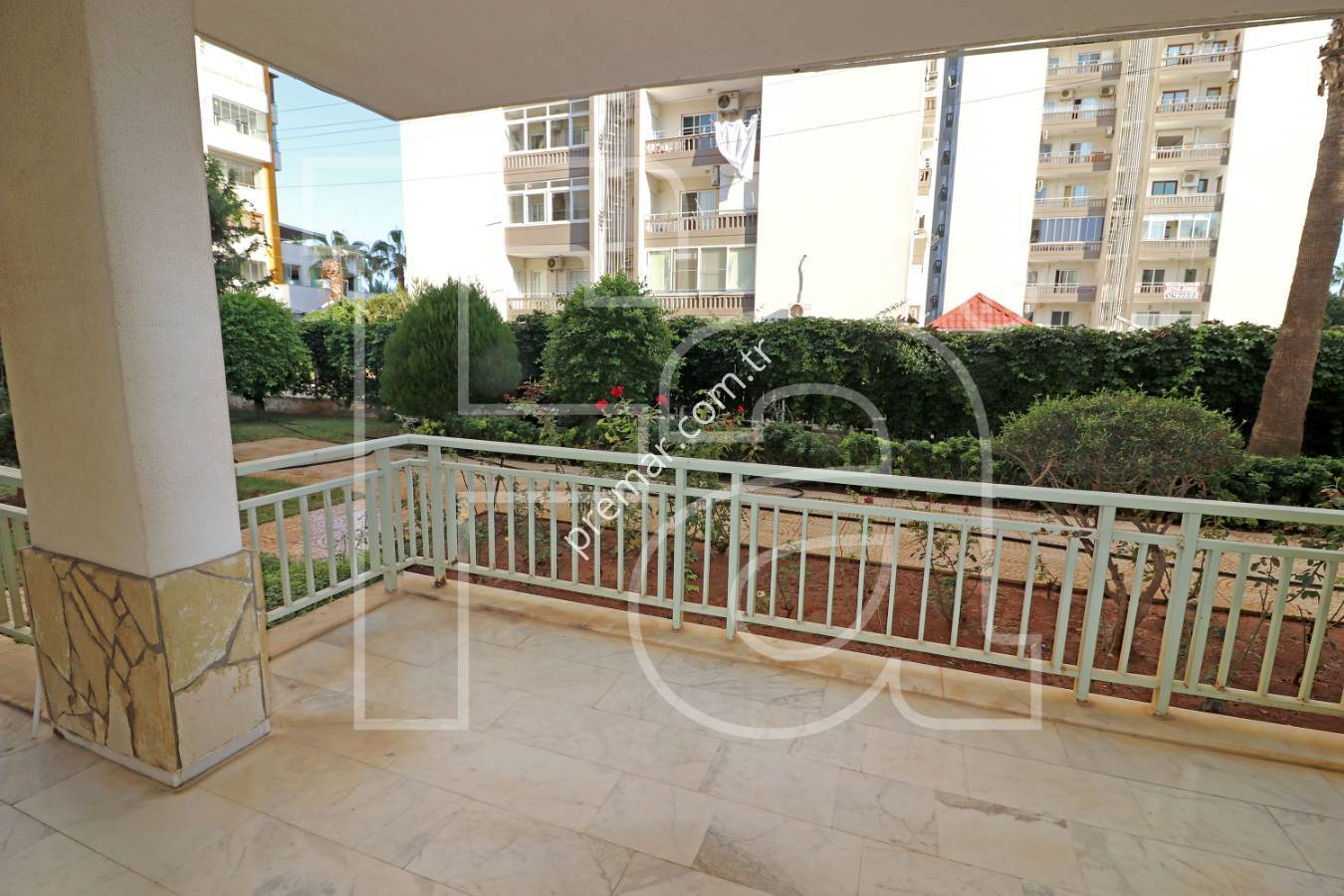 Premar Mersin'den Adnan Menderes'e Yürüme Mesafesinde Site İçi Bahçe Katı 4+1 Satılık Daire
