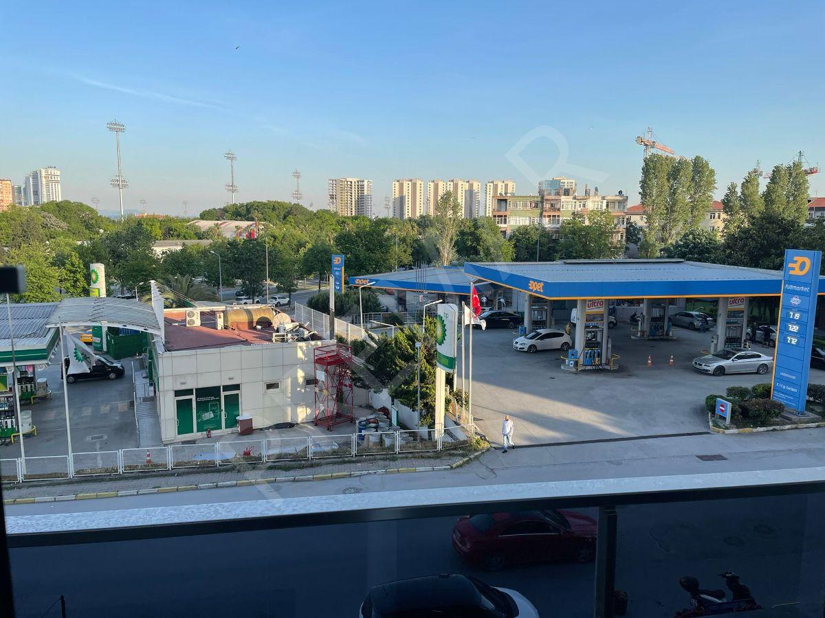 Bakırköy City'de,2+1 Sosyal Tesisli, Havuzlu, Satılık Lüks Daire