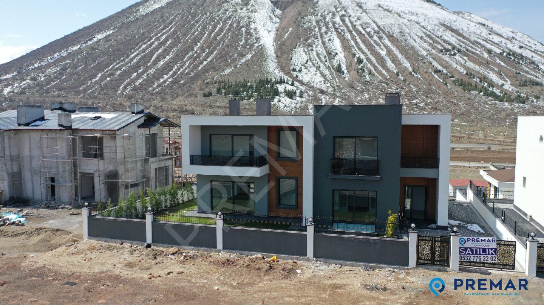 Yukarı Talas Ta Muhteşem Bağımsız Parselli Geniş 8+1 Villa