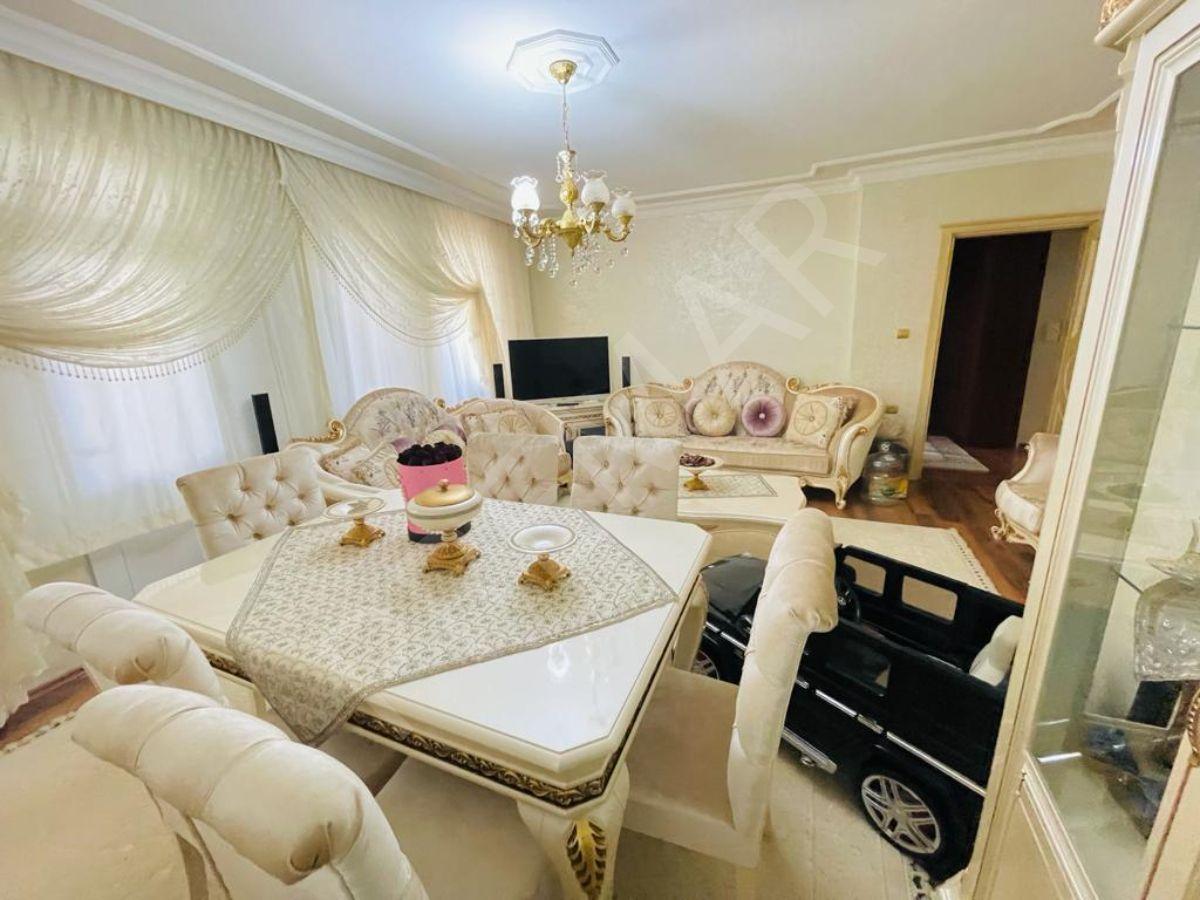 Başakşehir Onurkent'te Satılık Ara Kat 3+1 Daire