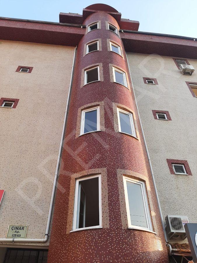 Cikcilli'de Havuzlu Bina 2+1 Satılık Daire
