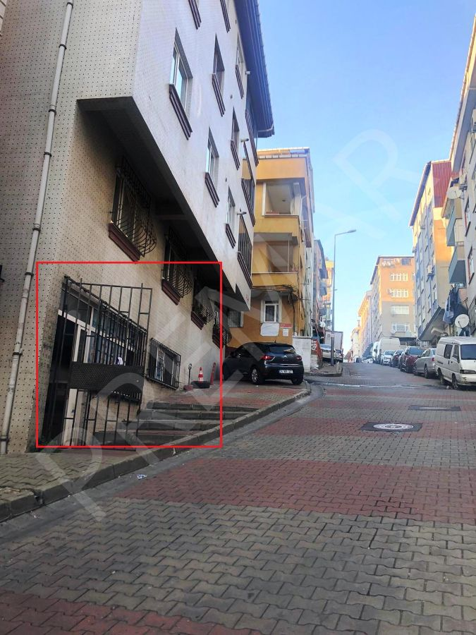 Çeliktepe Ana Cadde Ve Metro Yakını Kiracılı