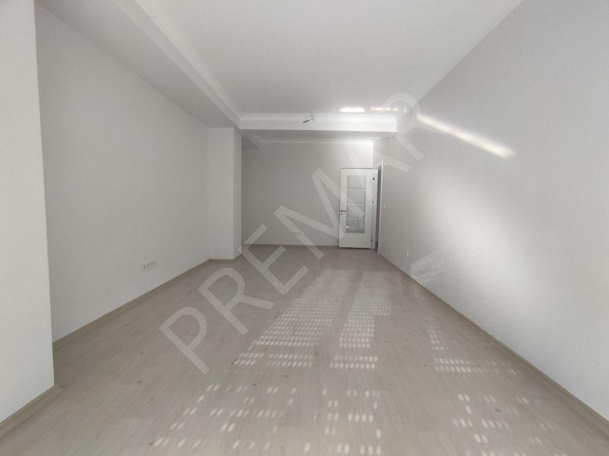 ...tek Yetkili...merkezi Balkonlu Geniş M2'li Çift Banyolu 3+1