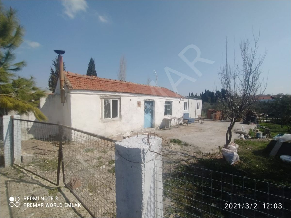 Didim Akyeniköyde Satılık Bahçeli Köy Evi