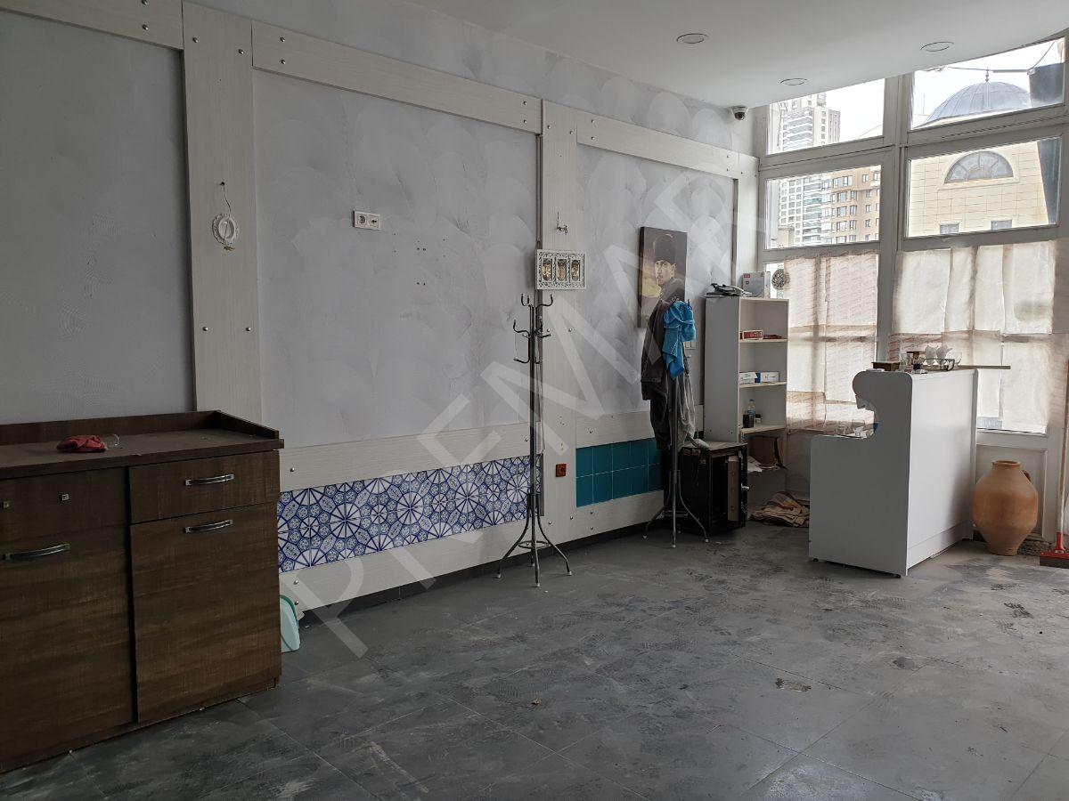 Çukurambar'da Merkezi Konumda 120 M2 Dükkan