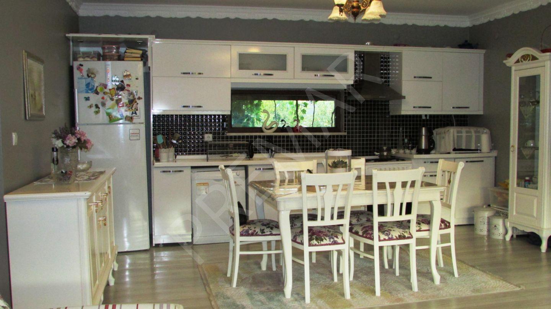 Premardan Eğribucakta Doğa İle İç İçe 1100 M2 Villa