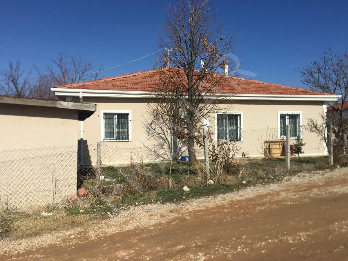 Premar Kalyon'dan İncek'te Satılık Bahçeli Müstakil Ev