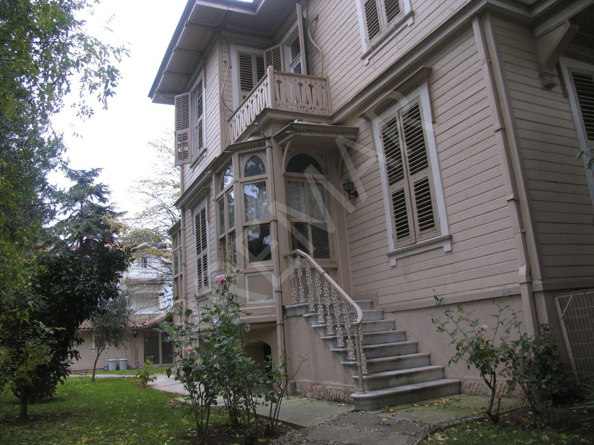 Yeşilköy Yeşiyurt Arası Kiralık Ofis / İşyeri Müstakil Tarihi Bahçeli Köşk 700 M2