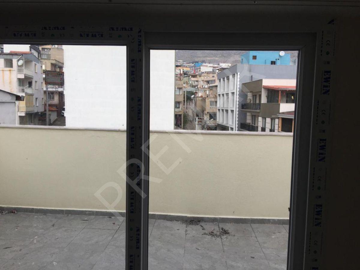 Muhittin Erner De İzmir Şehir Hast. Yakınında 1+1 Dubleks Daire
