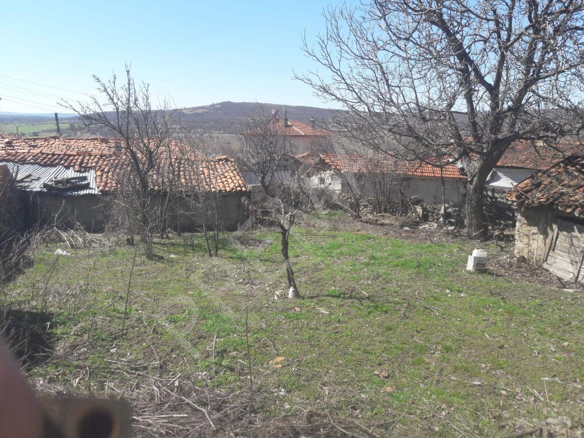 Eskişehir İnönü Esnemez Mahallesinde Satılık Ahşap Ev Ve Avlusu