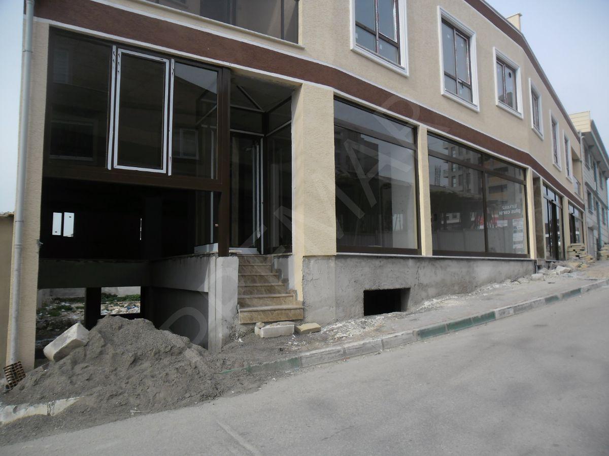 Premar D&b Den Balat Da Merkezi Konumda 40 M2 Kiralık Dükkan