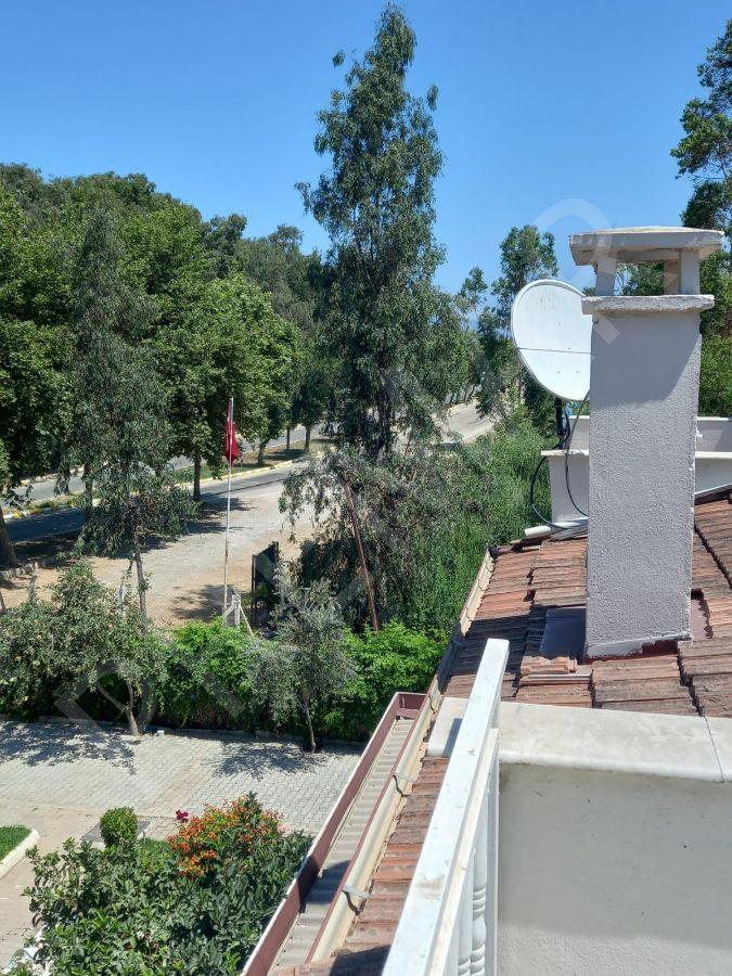 Kuşadası Davutlar Mah. Sevgi Plajı Arkası Denize 100 M Satılık Villa