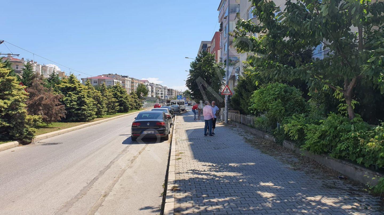 Faruk Ofluoğlu'ndan Ömürevleri Tranvay Durağında Kiralık 3+1