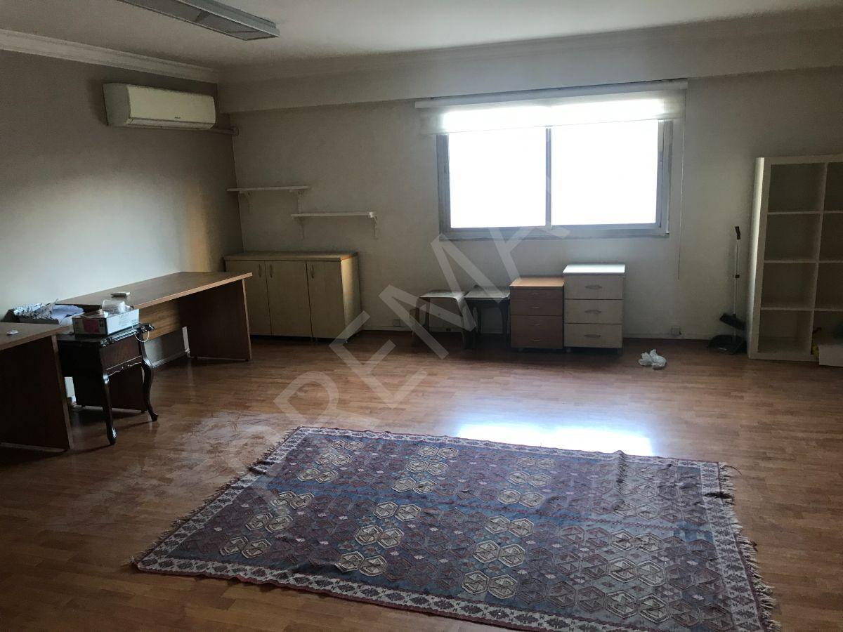 İzmir Şehir Merkezinde (şair Eşref Bulvarı) Kiralık Ofis