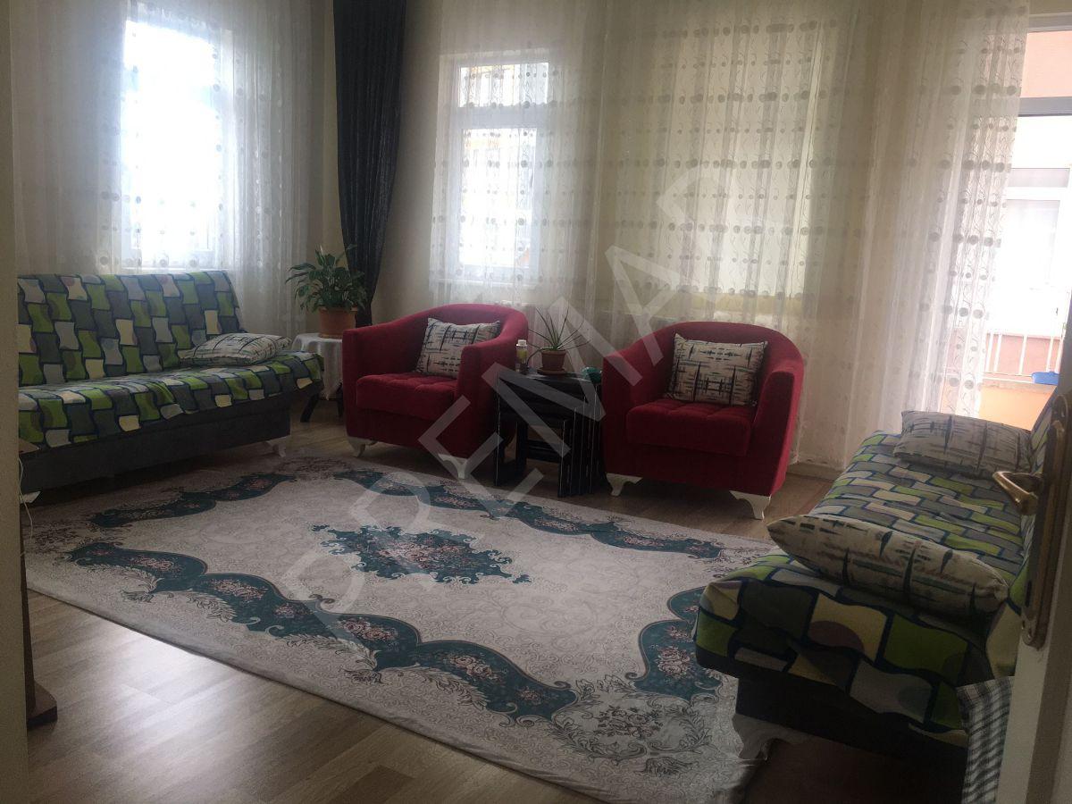 Premar'dan Mithatpaşa'da Satılık Geniş Daire