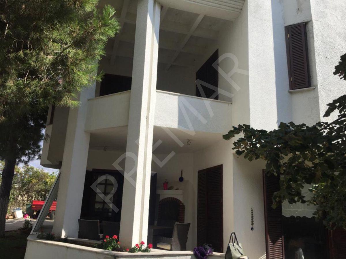 Marmaraereğlisi'nde Denize Sıfır Sitede 225m2 4+1 Dubleks Villa Satılık